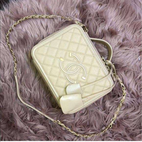 0e226c8185bf CHANEL Handbags - FINAL DROP 💰 Chanel Filigree vanity case bag